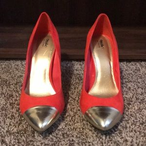Shoes - Coral pumps with Gold toe